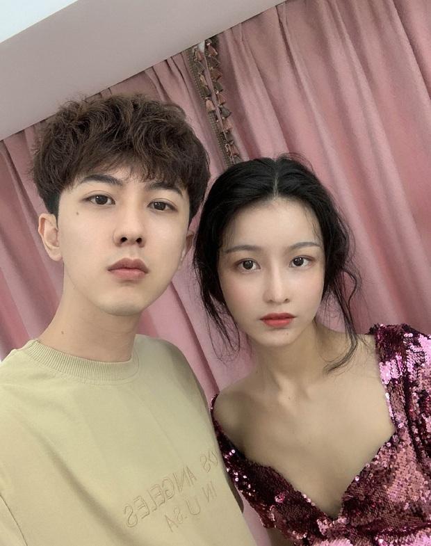 Vợ chồng ngày càng trẻ đẹp thế này, bảo sao danh hiệu gia đình hot nhất MXH Trung Quốc 4 năm rồi không ai soán được - Ảnh 3.