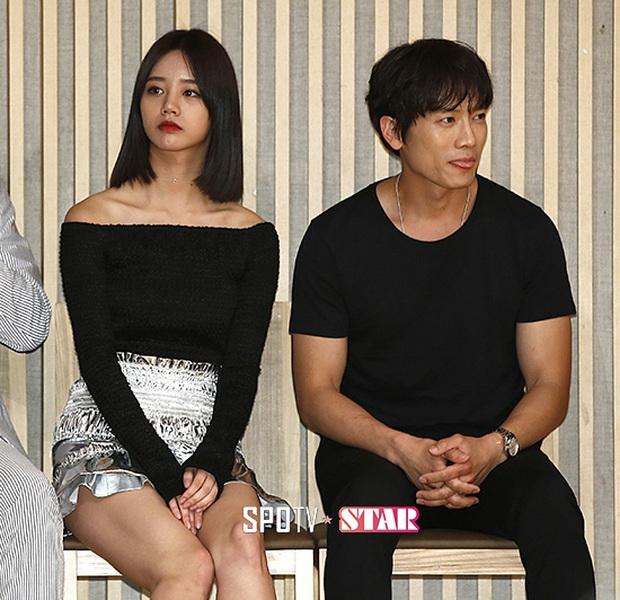 Sao đã kết hôn đứng cạnh đồng nghiệp khác giới: Lee Byung Hun tránh Suzy như tránh tà, Dương Mịch thả thính dàn trai đẹp - Ảnh 9.
