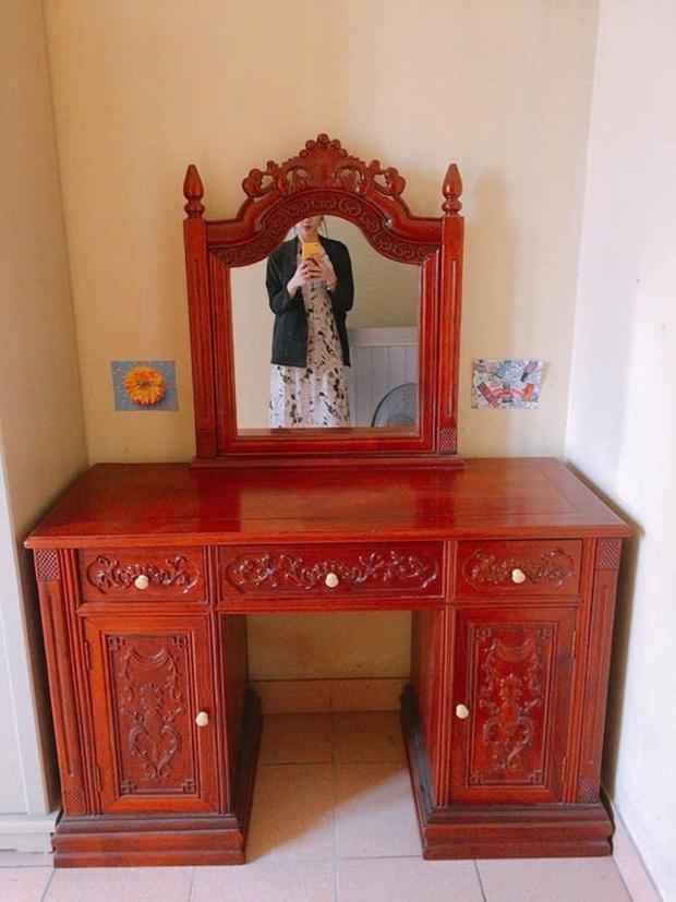Rao bán bàn trang điểm gỗ hương xịn giá 100 triệu, chàng trai khiến nhiều người rùng mình bởi các chi tiết chạm trổ theo phong cách hoài cổ - Ảnh 2.