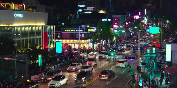 Nhờ hiệu ứng của Itaewon Class, khu phố Itaewon trở thành điểm đến hot nhất nhì Seoul hiện tại, lượt check-in tăng vọt bất ngờ - Ảnh 2.