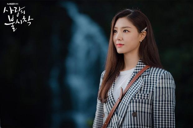 Nữ phụ đáng thương nhất Crash Landing On You gọi tên Seo Dan: Cả tuổi trẻ yêu sai người, khi chọn đúng lại phải lìa xa - Ảnh 4.