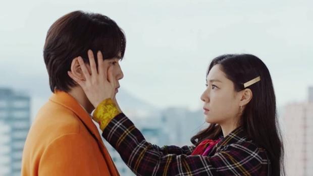 Nữ phụ đáng thương nhất Crash Landing On You gọi tên Seo Dan: Cả tuổi trẻ yêu sai người, khi chọn đúng lại phải lìa xa - Ảnh 8.