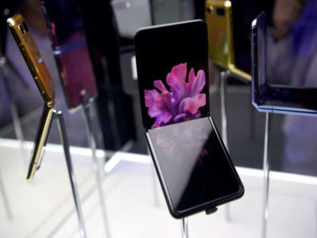 Samsung không nói dối: Màn hình Galaxy Z Flip thực sự làm từ kính, vì chỉ kính mới gãy được như thế này - Ảnh 2.