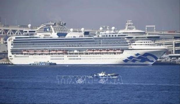 Hong Kong thuê 2 chuyến bay đưa 350 người trên du thuyền tại Nhật Bản trở về - Ảnh 1.