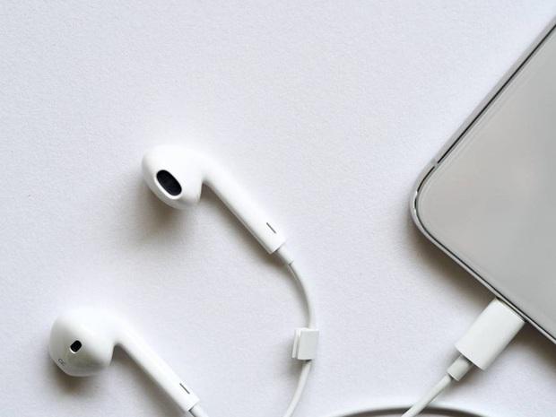 Phòng chống dịch Covid-19 lan rộng: Điện thoại, laptop, tai nghe... cần làm gì để tiêu diệt đúng đường truyền của virus, vi khuẩn? - Ảnh 4.