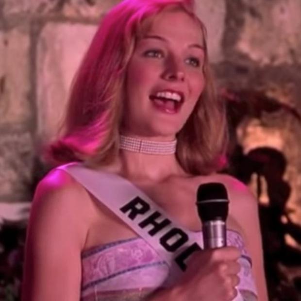Lạ lùng chưa, Sắc Đẹp Dối Trá của Hương Giang sao lại giống hệt Hoa Hậu FBI của chị đại Sandra Bullock thế này? - Ảnh 7.