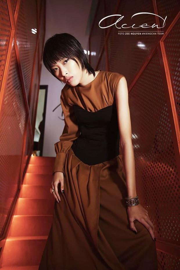 Bị loại đầu tiên, em út Vietnams Next Top Model: All Stars đã chứng minh ban giám khảo sai lầm khi trúng đến 4 show tại Luân Đôn - Ảnh 14.