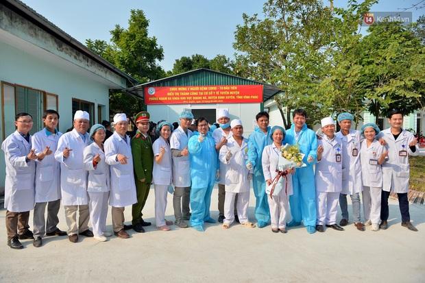 Bệnh nhân nhiễm Covid-19 ở Vĩnh Phúc gửi lời xin lỗi khi xuất viện - Ảnh 6.