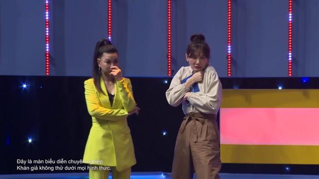 """Hari Won, Võ Hoàng Yến ôm nhau khóc thét xem """"dị nhân"""" dùng đầu """"cân"""" chiếc xe tải 5 tấn - Ảnh 11."""