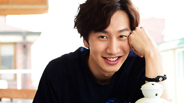 "Lee Kwang Soo had a traffic accident and had to stop filming ""Running Man"" for surgery"