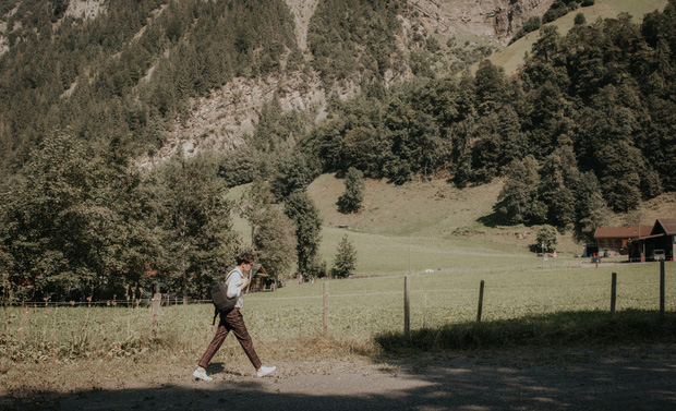 Đầu tư đi dọc châu Âu để ghi hình, Trịnh Thăng Bình có MV mới đẹp xuất sắc, choáng ngợp nhất là khung cảnh ở Thuỵ Sĩ - Ảnh 3.