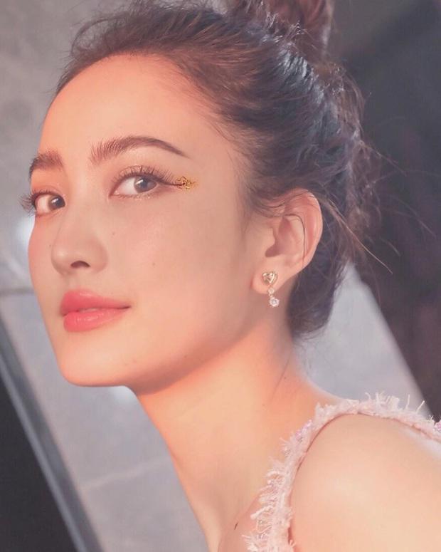 """Các mỹ nhân Thái hoá ra mới là """"nữ hoàng lồng lộn"""" trong khoản makeup mắt, có nhiều kiểu đẹp thần sầu mà bạn có thể bắt chước - Ảnh 5."""