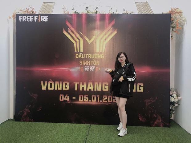 Tập trung đấu giải, nữ game thủ Free Fire khiến cộng đồng rụng tim vì quá xinh! - Ảnh 9.