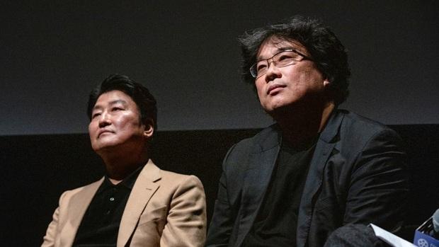 Tiết lộ sổ tay vẽ phác thảo Parasite của đạo diễn Bong Joon Ho, ai cũng khen nức nở vì độ tỉ mẩn đến từng chi tiết - Ảnh 3.