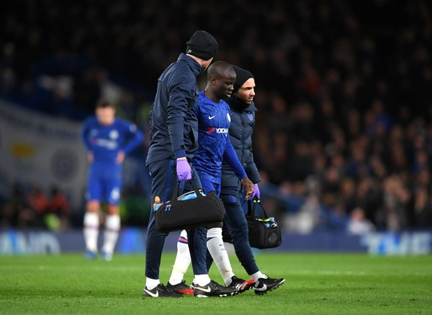 VAR hai lần tước bàn thắng, Chelsea nhận thất bại cay đắng ngay trên sân nhà trước Manchester United - Ảnh 1.