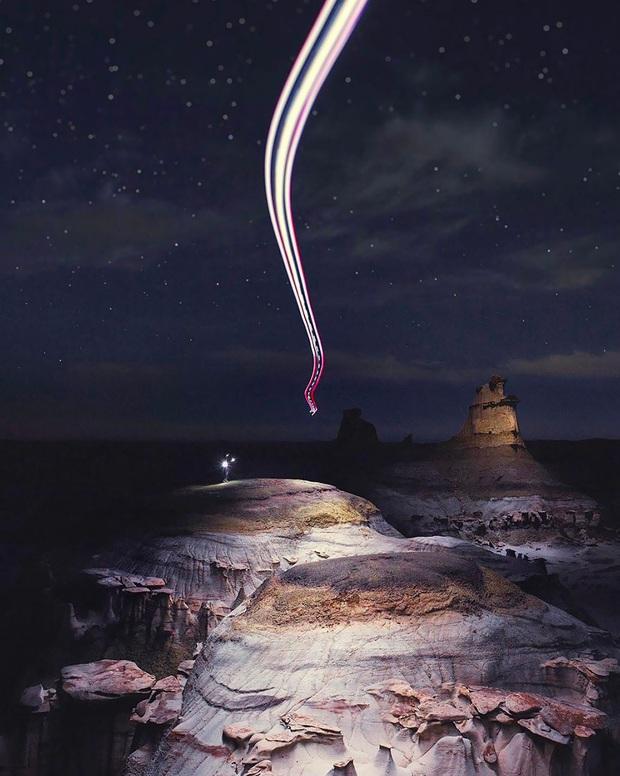 Đỉnh núi xuất hiện hào quang như ma trơi trong đêm: Đầu tư tới mức này để sống ảo thì hiếm ai đọ bằng! - Ảnh 4.