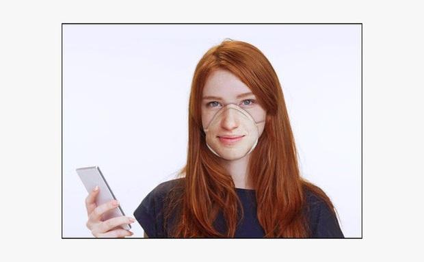 Đeo khẩu trang tránh dịch corona thì làm sao mở Face ID? Có ngay món đồ cứu tinh kỳ dị đây này - Ảnh 1.