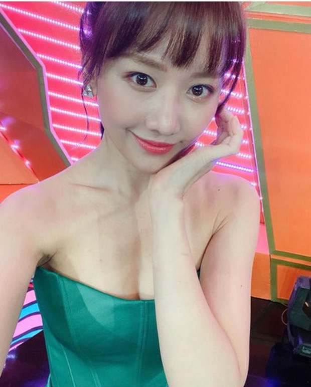 Vừa giảm 2kg, Hari Won đã khiến dân tình xốn xang với hình ảnh mới: Vai trần, vòng 1 lấp ló đầy gợi cảm! - Ảnh 1.
