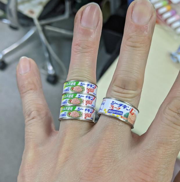 Chuyện chỉ có ở Nhật Bản: Ra mắt nhẫn hình vỏ lon đồ hộp mô phỏng sản phẩm ngoài đời thực, nghe hơi dị nhưng trông cũng hay ho ra phết - Ảnh 3.