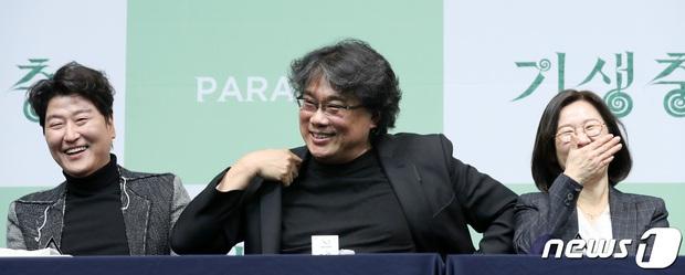 Dàn sao Parasite từ chối Mỹ tiến, khoe sắp tiệc tùng ở nhà Xanh cùng tổng thống Hàn - Ảnh 3.