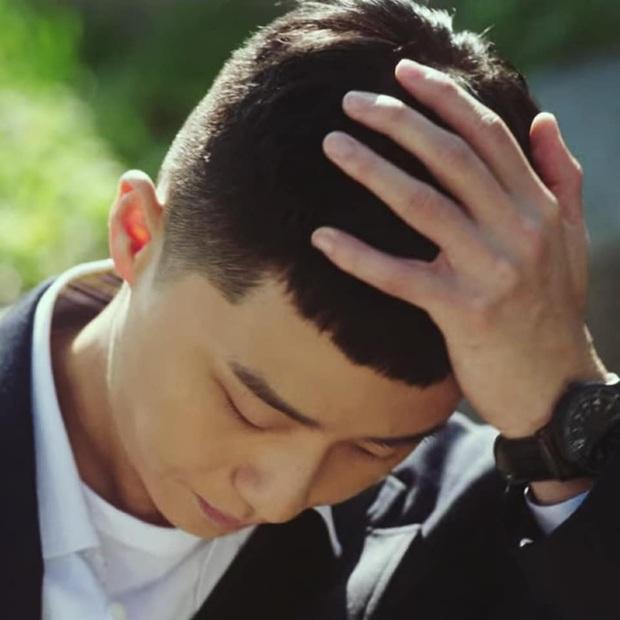 Tuyển tập khoảnh khắc vuốt tóc cộp mác Park Sae Ro Yi - anh chủ quán nhậu Itaewon Class làm hội mê trai phải đổi chồng - Ảnh 6.