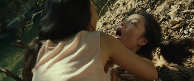 Rùng mình màn cảnh báo khỉ hiếp trong rừng của hội ba cô gái ở trailer Truyền Thuyết Về Quán Tiên - Ảnh 6.