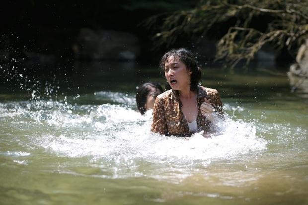 Rùng mình màn cảnh báo khỉ hiếp trong rừng của hội ba cô gái ở trailer Truyền Thuyết Về Quán Tiên - Ảnh 5.