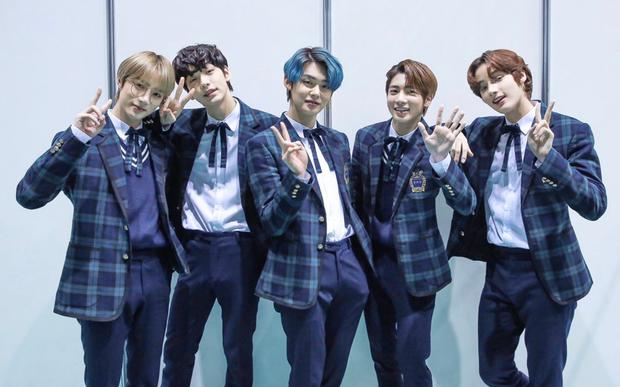 Album Nhật tháng 1 của nghệ sĩ Kpop: TXT quật ngã 3 thế hệ nhà SM, BLACKPINK bị đánh bại bởi nhóm nữ đang lên - Ảnh 3.