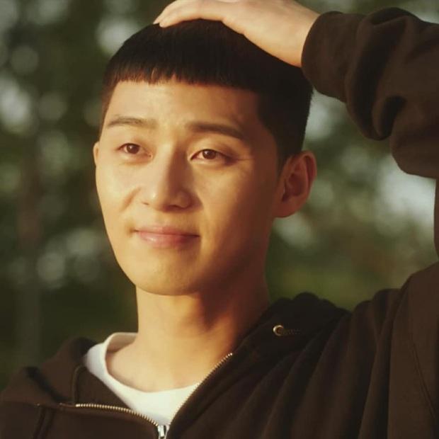 Tuyển tập khoảnh khắc vuốt tóc cộp mác Park Sae Ro Yi - anh chủ quán nhậu Itaewon Class làm hội mê trai phải đổi chồng - Ảnh 4.