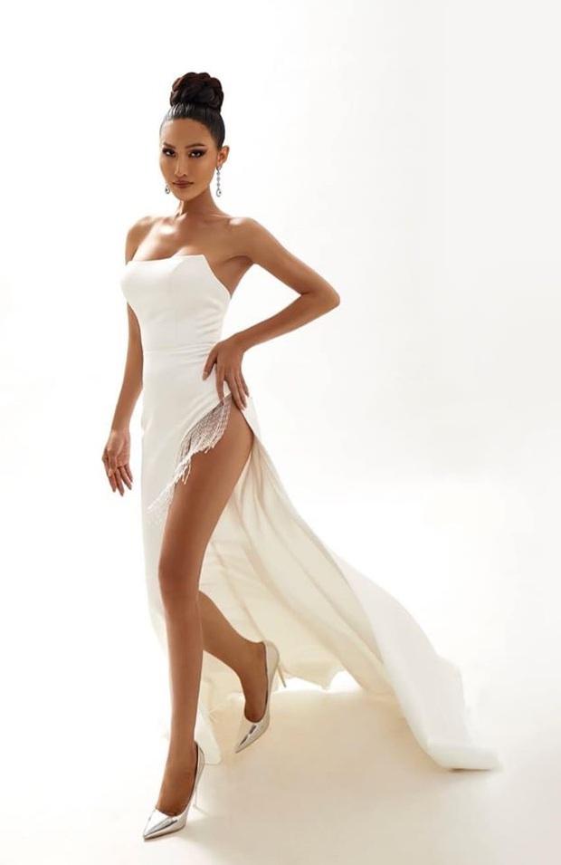 Bộ ảnh mới của Hoài Sa trước thềm Miss International Queen 2020: Thần thái, sắc vóc đúng chuẩn Hoa hậu đây rồi! - Ảnh 2.