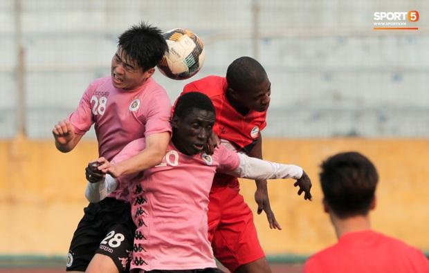 Quang Hải không khoẻ, tái phát chấn thương từ SEA Games, Hà Nội FC bị Viettel cầm hoà trong trận giao hữu - Ảnh 6.