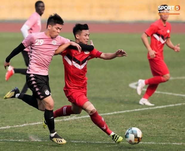 Quang Hải không khoẻ, tái phát chấn thương từ SEA Games, Hà Nội FC bị Viettel cầm hoà trong trận giao hữu - Ảnh 8.