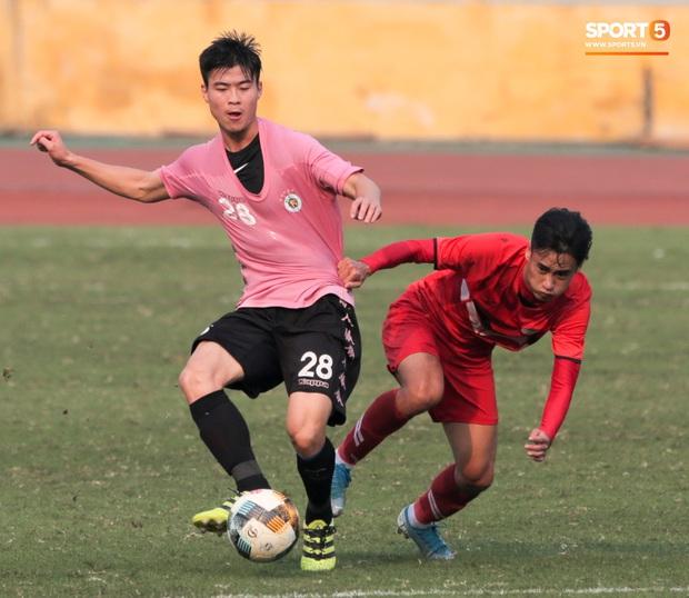 Quang Hải không khoẻ, tái phát chấn thương từ SEA Games, Hà Nội FC bị Viettel cầm hoà trong trận giao hữu - Ảnh 10.