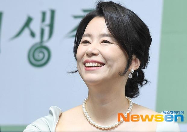 Parasite họp báo hoành tráng tại Hàn sau kì tích Oscar: Phóng viên đông khủng khiếp, chú Bong chiếm trọn spotlight! - Ảnh 4.