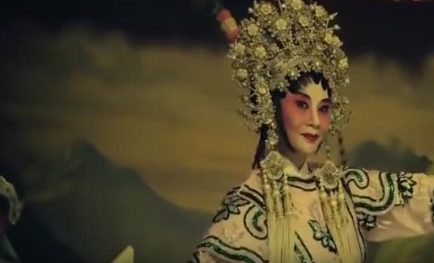 Hết dính phốt mượn hình ảnh, MV của Denis Đặng thực hiện cho Orange tiếp tục bị tố đạo nội dung phim kinh dị Hong Kong? - Ảnh 3.