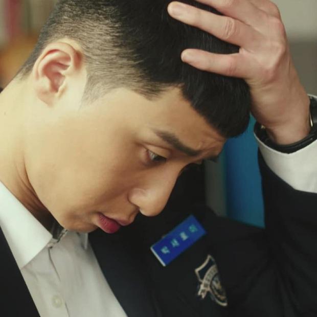 Tuyển tập khoảnh khắc vuốt tóc cộp mác Park Sae Ro Yi - anh chủ quán nhậu Itaewon Class làm hội mê trai phải đổi chồng - Ảnh 5.