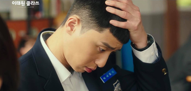 Tuyển tập khoảnh khắc vuốt tóc cộp mác Park Sae Ro Yi - anh chủ quán nhậu Itaewon Class làm hội mê trai phải đổi chồng - Ảnh 1.
