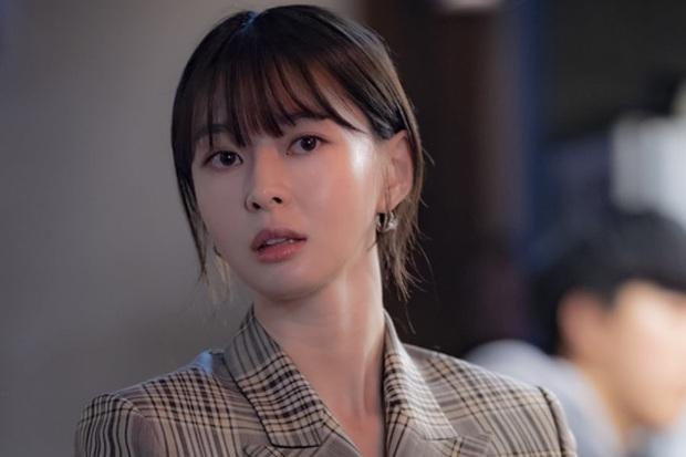 Đối đầu văn minh như Tầng Lớp Itaewon: Điên nữ IQ khủng và chị gái tình đầu chơi đẹp giành Park Seo Joon - Ảnh 8.