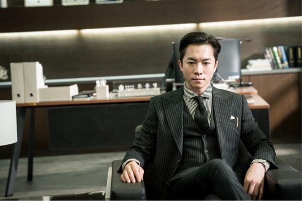 Thánh nghe trộm của Crash Landing On You bỗng nổi như cồn vì 50 tuổi mà như 30, thánh hack tuổi Jang Nara cũng phải e dè - Ảnh 8.