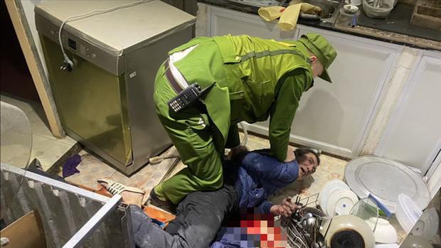 Nhân chứng bàng hoàng kể giây phút NSƯT Vũ Mạnh Dũng bị anh vợ ngáo đá dùng dao đâm tử vong - Ảnh 5.