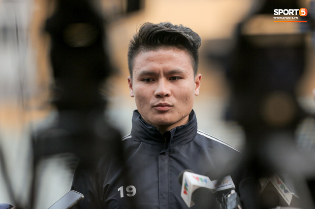 Quang Hải: Tôi không quan tâm đến chuyện đời tư bị săm soi, chỉ muốn nghĩ về bóng đá thôi  - Ảnh 1.