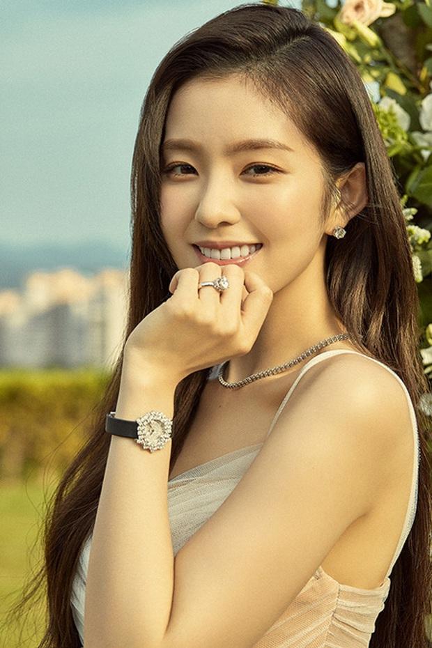 Loạt khoảnh khắc Irene (Red Velvet) giật bắn mình nhưng vẫn giữ khí chất nữ thần vô cùng xinh đẹp - Ảnh 1.