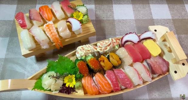 Góc dễ thương: Chiếc thuyền sushi trong vlog mới của Quỳnh Trần JP suýt… trôi đi vì quá nặng, ngồi ăn mà phải lo giữ không rơi mất! - Ảnh 6.