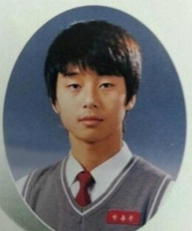 Rộ lên loạt ảnh hồi bé mái ngố tàu của Park Seo Joon: Quyết xuyên không về quá khứ để tạo kiểu đầu trend của Itaewon Class? - Ảnh 2.