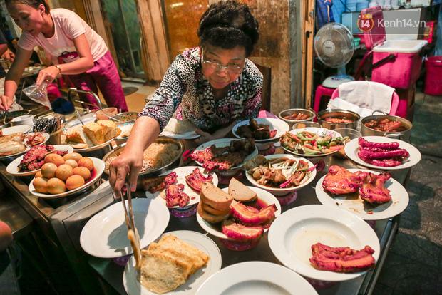 """Vừa vào Sài Gòn, vợ chồng Quỳnh Anh – Duy Mạnh đã đến ăn ngay """"cơm tấm bãi rác"""" nổi tiếng, quán có gì mà lại hot đến vậy? - Ảnh 3."""