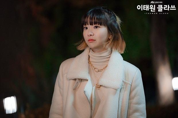 Đối đầu văn minh như Tầng Lớp Itaewon: Điên nữ IQ khủng và chị gái tình đầu chơi đẹp giành Park Seo Joon - Ảnh 2.