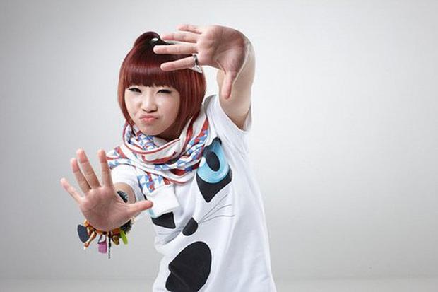 """Hội idol debut khi còn cơ nhỡ: Jungkook (BTS),Tzuyu (TWICE) đều bị thành viên boygroup của JYP """"soán ngôi"""" vì ra mắt năm mới... 11 tuổi - Ảnh 19."""