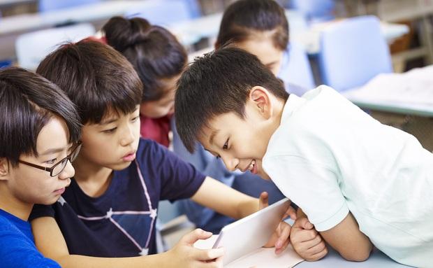 Nghịch dại: Bị bắt học online, nam sinh giả danh thầy hiệu phó, yêu cầu giáo viên ngưng buổi học - Ảnh 1.