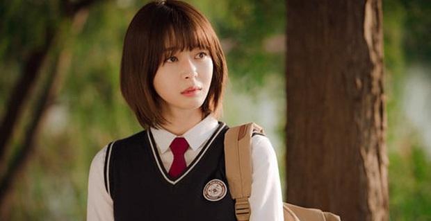 Đối đầu văn minh như Tầng Lớp Itaewon: Điên nữ IQ khủng và chị gái tình đầu chơi đẹp giành Park Seo Joon - Ảnh 7.