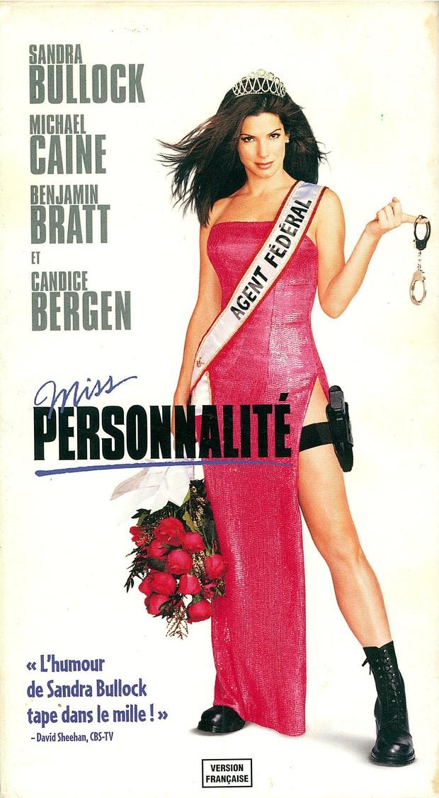 Lạ lùng chưa, Sắc Đẹp Dối Trá của Hương Giang sao lại giống hệt Hoa Hậu FBI của chị đại Sandra Bullock thế này? - Ảnh 2.